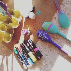 No #ateliedesegunda de hoje: colheres pintadas para plaquinhas de vaso ou horta!