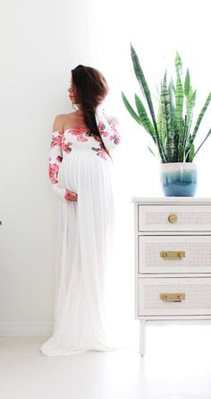 This maternity gown is gorgeous and perfect for a baby shower or photo shoot | long sleeve Maternity gown photography baby shower maternity dress - floral babydoll | maternity clothes | maternity outfit | maternity style | #ad #pregnancyphotography