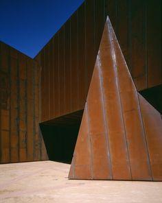 Flashback: Australian Centre for Contemporary Art (ACCA) / Wood/Marsh
