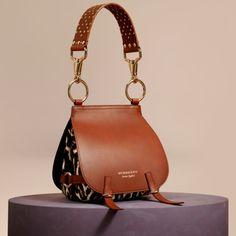 Tan The Bridle Bag in Leopard-print Calfskin and Leather 1 Tan The Bridle Bag en Piel de becerro con estampado de leopardo y cuero 1 Luxury Handbags, Fashion Handbags, Fashion Bags, Luxury Purses, Luxury Bags, Fashion Purses, Popular Handbags, Cute Handbags, Cheap Handbags