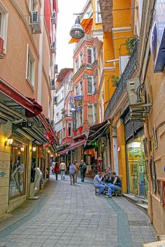If the Earth was a single state, Istanbul would be its capital. - Napoléon Bonaparte  istanbul streets #istanbul #turkey