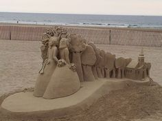 Amazing Sand Sculpture of The Tree of Life. Description from pinterest.com. I searched for this on bing.com/images Hampton Beach, Ice Art, Snow Sculptures, Snow Art, Art Festival, Beach Art, Amazing Art, Street Art, Live Free