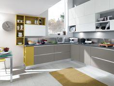 Cucina componibile in legno senza maniglie