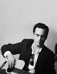 A man who can sing, especially in the lower register, holds the key to my heart #JoaquinPhoenix