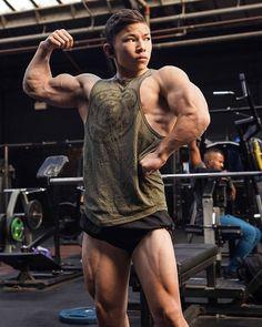 200 Ideas De Training Motivation En 2021 Buena Forma Del Músculo Hombres Negros Guapos Cuerpo Fitness Hombre