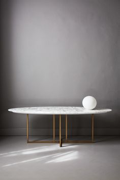 Amazing marbel table for modern houses. - Amazing marbel t Marble Furniture, Furniture Dining Table, Modern Dining Table, Dining Room Table, Home Furniture, Furniture Design, Oval Table, Round Dining, Furniture Outlet