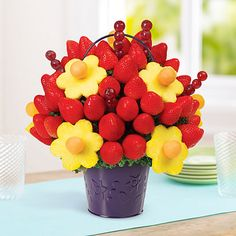 The people that know me well will send these instead of flowers to my hospital room. Edible Arrangements® fruit baskets - Blooming Daisies®