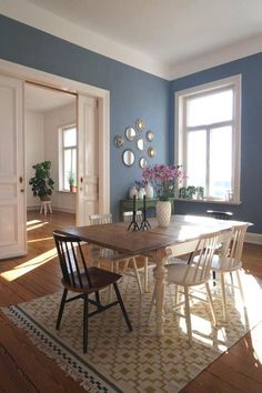 Soft colors 🌸 ● colors # calm of the north .- Soft colours 🌸 ● des nordens Soft colors 🌸 ● in the north - Decor Room, Living Room Decor, Home Decor, Room Colors, House Colors, Ikea Rug, Trendy Home, Blue Walls, Dining Room Design
