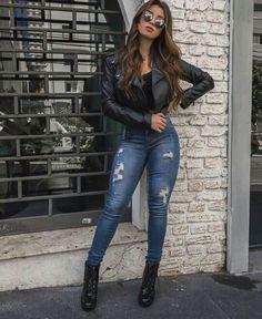 Calça jeans Jaqueta de couro Bota cano curto