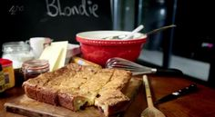 White chocolate and cranberry Blondies --> Gordon Ramsay's Ultimate Cookery Course! Alternative to a chocolate brownie. Yummy Treats, Sweet Treats, Yummy Food, Blondie Recipe, Chef Gordon Ramsay, Gordon Ramsey, Best Chef, Cranberries, Sweet Life