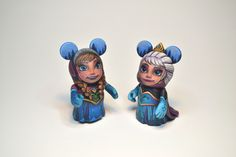 Anna and Elsa custom vinylmation by Jared Circusbear