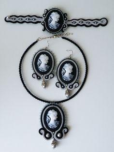 Parure Soutache grigio-nero con cammei, perle Swarovski e perline Toho fatta su richiesta Emoticon smile