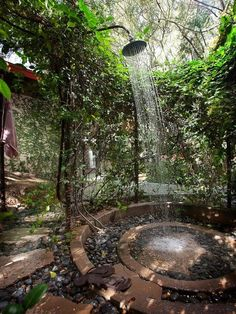 I'm not sure if I would personally feel comfortable with showering outdoors  and all the insects but it really does look beautiful Dream Bath, Outdoor Gardens, Indoor Garden, Garden Paths, Brunswick House, Peaceful Home, Outdoor Bathrooms, Outdoor Decor, Water Features In The Garden