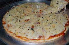 E para o jantar, essa pizza que tem a massa feita no liquidificador cai muito bem, não é? - Aprenda a preparar essa maravilhosa receita de Pizza de Liquidificador Fácil