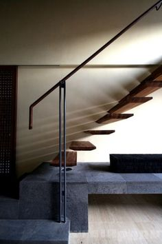 Professionals in staircase design, construction and stairs installation. In addition EeStairs offers design services on stairs and balustrades. Cantilever Stairs, Stair Handrail, Staircase Railings, Wooden Staircases, Staircase Design, Stairways, Foyers, Stairs To Heaven, Open Stairs