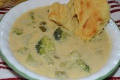 SERENA'S BROCCOLI & POTATO WITH CHEESE SOUP http://cookingwithserena.com/?p=32938