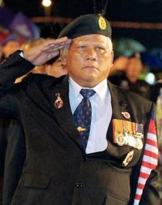 Decorated Iban war hero Datuk Kanang Langkau, the most decorated former soldier died early Thursday, 3rd Jan 2013. May he rest in peace.