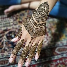 50 Most beautiful Varanasi Mehndi Design (Varanasi Henna Design) that you can apply on your Beautiful Hands and Body in daily life. Modern Henna Designs, Arabic Henna Designs, Mehndi Designs For Girls, Mehndi Designs For Beginners, Dulhan Mehndi Designs, Mehndi Design Photos, Mehndi Designs For Fingers, Beautiful Henna Designs, Latest Mehndi Designs