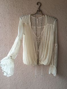 SALE!!! Free People lace over lace Juliet sleeves Romantic Holiday peasant blouse / Bohemian Angel