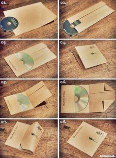 buena idea para hacer un sobre de CD.. aunque los cd ya no sirven..