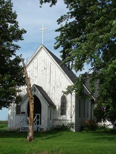 Quaint country church for sale in Osco, IL - I would love to make this into a home!