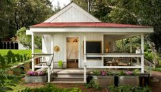 The tiny house movement isn't necessarily about sacrifice. Check out these small house pictures and plans that maximize both function and style! These best tiny homes are just as functional as they are adorable. Tiny House Movement, Cabins And Cottages, Tiny Cabins, Log Cabins, Seaside Cottages, Modern Cabins, Country Cottages, Country Houses, Tiny House Living