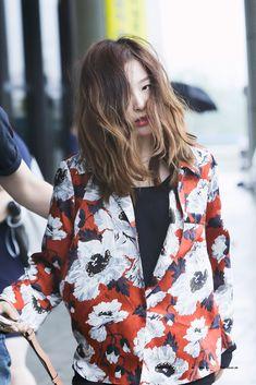 Seulgi siempre es re fashionista, tiene muy buenos conjuntos, la amó tanto aye~, aye~ Seulgi, Red Velvet, Kpop.