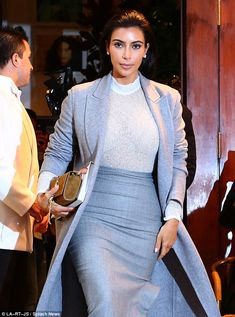 Kim Kardashian impresses in clingy top with Kanye West Kim Kardashian Show, Kardashian Style, Kardashian Jenner, Kardashian Fashion, Fashion Idol, Fashion Outfits, Kim K Style, My Style, Style And Grace
