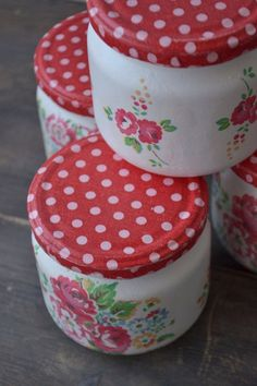 Mason jars - set of four - shabby - romantic - vintage - cottage - Cath Kidston style - flowers Can Storage, Storage Caddy, Recycle Cans, Recycling, Red Mason Jars, Bottle Cap Jewelry, Apothecary Jars, Cath Kidston, Old Wood