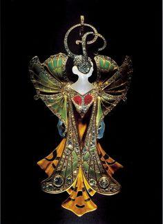Henri Vever,  Herabängende Sylvia, 1900.  Gold, Achat, Rubine, Diamanten und  rosa Diamanten. Ausgestellt auf der  Weltausstellung von 1900 in Paris.  Musée des Arts Décoratifs, Paris.