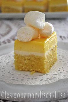 Gâteau de Gênes au sirop de citron, panna cotta au babeurre et lemon curd
