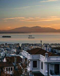 Αυτή η πόλη σε μεθάει, χωρίς να πιείς ούτε σταλιά ❤️ Thessaloniki, Macedonia, Nymph, Athens, Daydream, Sunset, Greece, The Past, Mansions