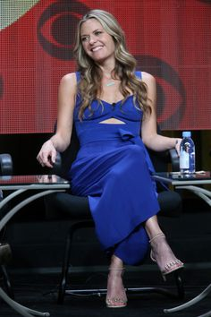 Actress Maggie Lawson speaks onstage during the 'Angel from Hell' panel discussion at the CBS portion of the 2015 Summer TCA Tour at The Beverly Hilton Hotel on August 2015 in Beverly Hills, California. Hot Actresses, Beautiful Actresses, The Beverly, Beverly Hilton, Maggie Lawson, Taylor James, Nathan Haley, Tv Detectives, Great Smiles