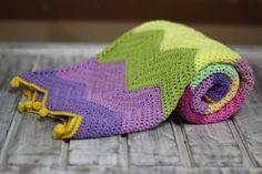 Apaixonados por essa mantinha linda! ----- Encomendas:  capitaganchocroche@hotmail.com ✈ Enviamos para todo o Brasil ----- #croche #crochetaddict #moderncrochet #artesanato #semprecirculo #brinquedos #feitocomamor #feitoamão #circo #amigurumi  #crochetofinstagram #crochetlove  #presentes  #presentescriativos  #mimos  #fofura  #design  #crianças  #clowns  #crochettoy #ganchillo #crochet #craftastherapy #heklanje #crochetdoll #munheca #handmade  #design #yarnaddict #infancia  #kidsroom