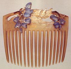 René Lalique violet hair comb