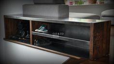 Conception et réalisation par CLO & CO, Claudia Petitclerc ébéniste designer.  Banc métal & bois  71 x 14 X 16h (1816mm x 356mm x 406mm haut)  Acier plié 1/16 dépais & bois 40 mm dépais  Finition: bois à lhuile danoise et métal ciré    note: vous pouvez réduire la longueur si désirez.