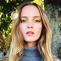 13 Unexpected Ways to Wear Gold Makeup This Holiday Season