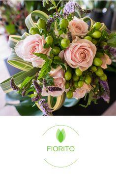 """Esiste una delicatezza di gesti e parole che non ha nulla a che vedere con l'educazione. Potremmo chiamarla """"eleganza"""". #fiorito #bouquet #fiori #flower #eleganza #rose #regalaunfiore #flowerpower #faidate #composizioni #sorprendimi"""