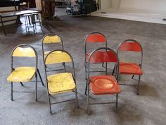 chair (yellow) W365mmxD380mmxH730mm 座面 H390mm (red) W375mmxD380mmxH830mm 座面 H435mm