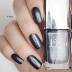 Dior - Metal Montaigne