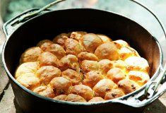 Potato Bake Bread Rolls - soooooo easy to make :) Best Dishes, Side Dishes, South African Recipes, Ethnic Recipes, Snack Recipes, Yummy Recipes, Snacks, Dutch Oven Recipes, Restaurant Recipes