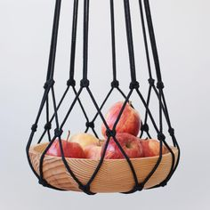 i can't wait to see this lovely fruit hanger in your kitchen ✨🍎 Macrame Plant Hanger Patterns, Macrame Plant Hangers, Macrame Patterns, Macrame Projects, Diy Projects, Home Crafts, Fun Crafts, Macrame Tutorial, Macrame Knots