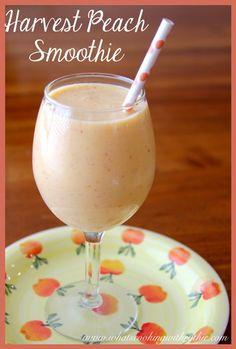 Harvest Peach Smoothie: 1 C coconut [or reg] water, ½ C plain non-fat greek yogurt, 1 fresh peach, ½ C frozen Tbsp agave or other sweetener Fun Drinks, Yummy Drinks, Healthy Drinks, Yummy Food, Beverages, Healthy Eating, Tasty, Refreshing Drinks, Stay Healthy