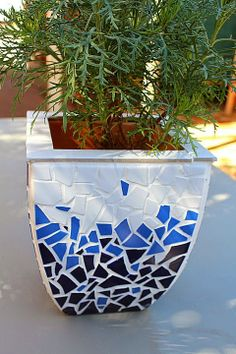 Mother's Day present, mosaic flower pot Mosaic Planters, Mosaic Garden Art, Mosaic Tile Art, Mosaic Vase, Mosaic Flower Pots, Mosaic Diy, Mosaic Crafts, Mosaic Projects, Pebble Mosaic