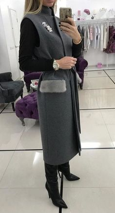 Wool coats is actually becoming the highly demanded fashion item page 47 of 53 pin untetheredsun Burberry Coat, Mode Abaya, Mode Hijab, Mode Outfits, Fashion Outfits, Womens Fashion, Fashion Trends, Look Fashion, Winter Fashion