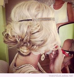 Perfect 1920s make-up and hair