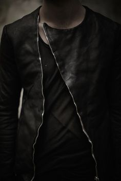 OBSCUR (leather jacket with diagonal zipper)