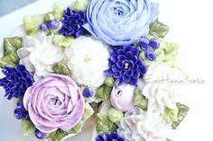 Done by me enohanacake.com Kakaotalk ID:touko76 Line:enohanaflowercake  Enohana flower cake & baking class studio  정규, 원데이클래스 모집합니다. 수업문의는 카톡ID->touko76 으로 문의 주세요 #crythansmum #버터크림플라워케이크#플라워케이크 #플라워케이크클래스 #birthdaycake #주문케이크#수제케이크#생일케이크#웨딩케이크#buttercreamcake #꽃케이크#buttercreamflowercake #flowercake #에노하나케이크  #weddingcake #フラワーケーキ教室#dessertstagram #flowercakeclass #bakingclass #연남동#bakingstagram #cakedecorating#koreanflowercake#花蛋糕#specialcake #フラワーケーキ#cakedecoration
