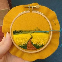 Embroidery-Thread-Bird-Eye-View-Victoria-Rose Embroidery Artist Captures Entire Lush Landscapes In These Tiny Embroidery Pieces Pics) Flower Embroidery Designs, Simple Embroidery, Hand Embroidery Stitches, Modern Embroidery, Embroidery Hoop Art, Cross Stitch Embroidery, Embroidery Ideas, Embroidery On Clothes, Embroidery Sampler