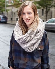 Make this Dobbs Ferry Knit Cowl - great #christmas #gift idea!